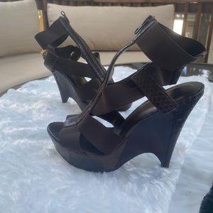 Pelle Moda sandal